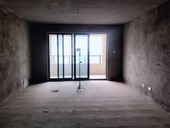 急售龙泊湾洋房3室2厅2卫127m²毛坯房 送30平米储藏室